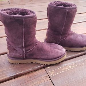 UGG ] Purple boots sz 5